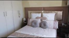 Main Bedroom - 16 square meters of property in Kraaifontein