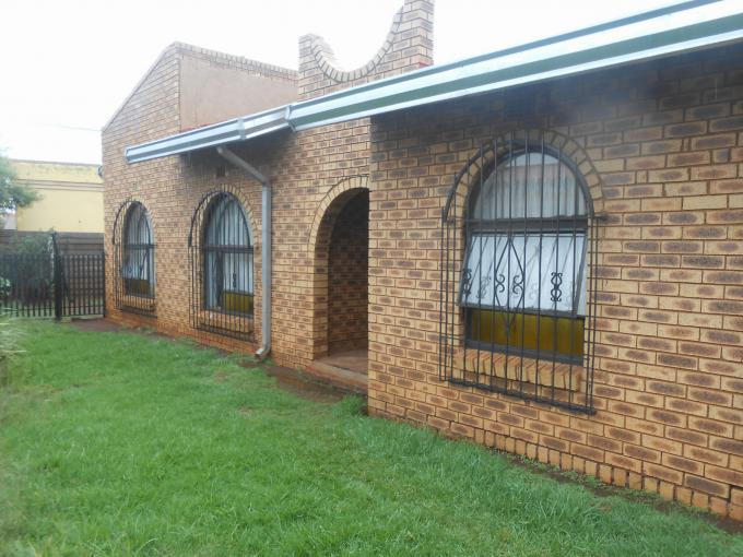 Standard Bank EasySell 3 Bedroom Cluster for Sale For Sale in Vosloorus - MR152825
