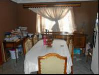 Dining Room - 14 square meters of property in Vosloorus