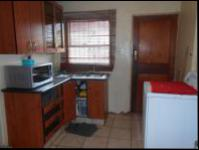 Kitchen - 15 square meters of property in Vosloorus