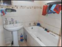 Bathroom 1 - 3 square meters of property in Vosloorus