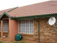 3 Bedroom 2 Bathroom Simplex for Sale for sale in Clubview