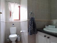 Bathroom 2 of property in Woodhill Golf Estate