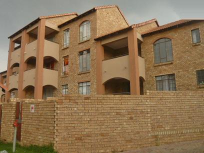 2 Bedroom Apartment for Sale For Sale in Midrand - Home Sell - MR15308
