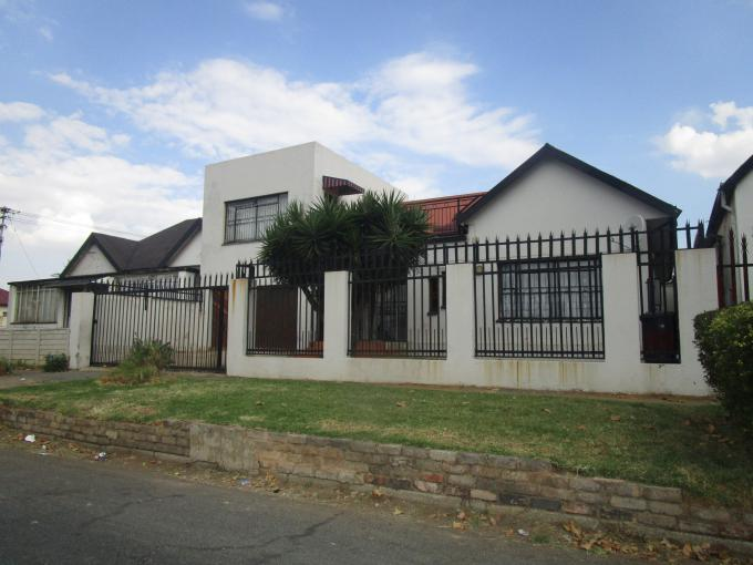 Standard Bank EasySell 9 Bedroom House for Sale For Sale in Kenilworth - JHB - MR153186