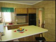 Kitchen - 38 square meters of property in Jeffrey's Bay