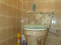 Main Bathroom - 17 square meters of property in Nigel