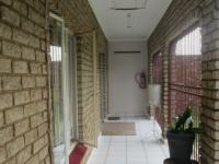 Patio - 14 square meters of property in Nigel