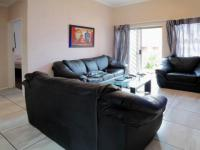 Lounges - 19 square meters of property in Garsfontein