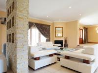 Lounges - 23 square meters of property in The Wilds Estate
