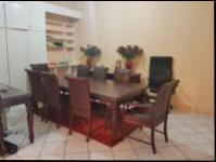 Dining Room - 21 square meters of property in Bryanston West