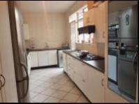Kitchen - 18 square meters of property in Bryanston West