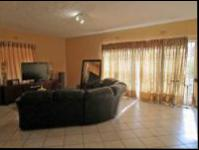 Lounges - 50 square meters of property in Bryanston West