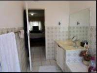 Main Bathroom - 8 square meters of property in Bryanston West