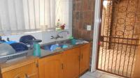 Kitchen - 20 square meters of property in Greymont