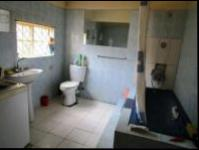 Bathroom 1 - 8 square meters of property in Johannesburg Central