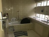 Main Bathroom of property in Randburg