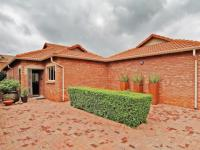 3 Bedroom 2 Bathroom Simplex for Sale for sale in The Wilds Estate