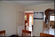 Dining Room - 13 square meters of property in Shallcross