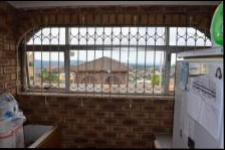 Spaces - 4 square meters of property in Shallcross