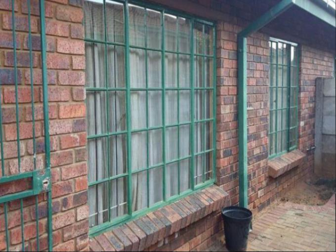 Standard Bank EasySell 2 Bedroom House for Sale For Sale in Bloemfontein - MR154172