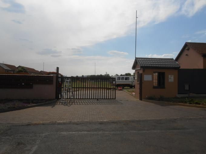 Standard Bank EasySell House for Sale For Sale in Germiston - MR154371