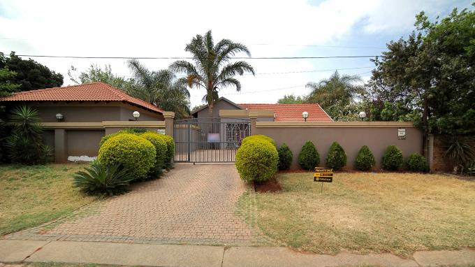 Standard Bank EasySell 3 Bedroom House for Sale in Zwartkop - MR154377