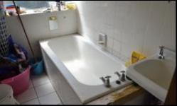 Bathroom 1 - 6 square meters of property in Pretoria Central