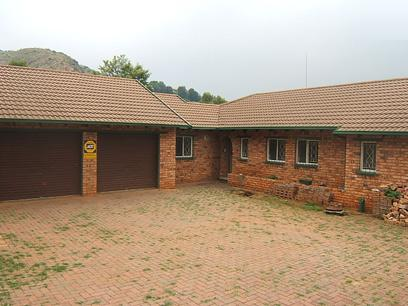 Standard Bank Repossessed 5 Bedroom House for Sale For Sale in Roodekrans - MR15443
