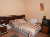 Main Bedroom - 18 square meters of property in Germiston