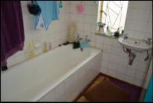 Bathroom 1 - 5 square meters of property in Capital Park