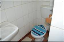 Bathroom 3+ - 4 square meters of property in Capital Park