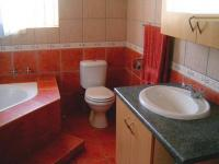 Main Bathroom - 7 square meters of property in Rayton