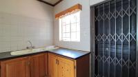 Kitchen - 10 square meters of property in Montana Park