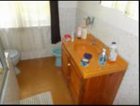 Bathroom 1 - 8 square meters of property in Observatory - JHB