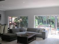 Lounges - 47 square meters of property in Glenvista