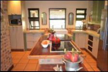Kitchen - 16 square meters of property in Hartbeespoort