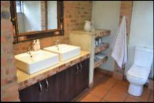 Bathroom 1 - 13 square meters of property in Hartbeespoort