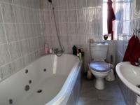 Main Bathroom - 3 square meters of property in Garsfontein