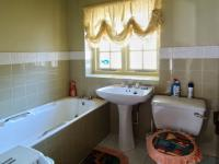 Bathroom 2 of property in Waterkloof Glen