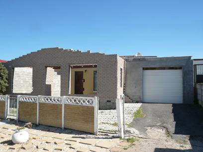 2 Bedroom House For Sale in Mitchells Plain - Private Sale - MR15514