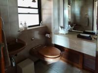 Guest Toilet - 3 square meters of property in Waterkloof