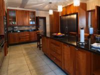 Kitchen - 30 square meters of property in Waterkloof