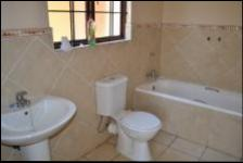 Bathroom 1 - 12 square meters of property in Theresapark