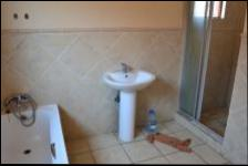 Bathroom 2 - 7 square meters of property in Theresapark