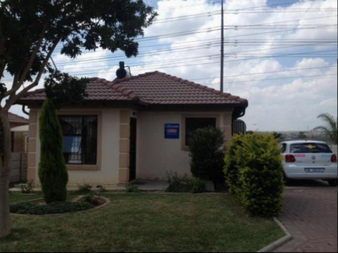 Standard Bank Easysell 2 Bedroom House For Sale For Sale In Midrand Mr155502 Myroof