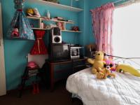Bed Room 1 - 11 square meters of property in Wingate Park