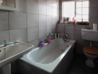 Bathroom 1 - 5 square meters of property in Wingate Park