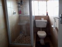 Main Bathroom - 5 square meters of property in Wingate Park