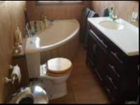 Main Bathroom - 17 square meters of property in Kensington - JHB